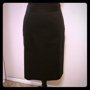 Banana Republic size 4 black pencil skirt